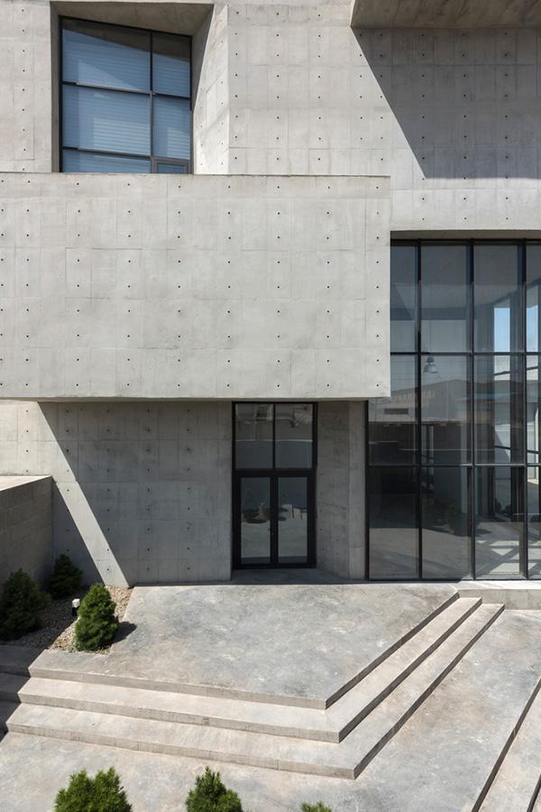 طراحی ساختمان چند منظوره
