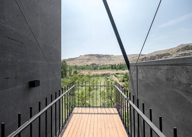 معماری ویلای خاکستری