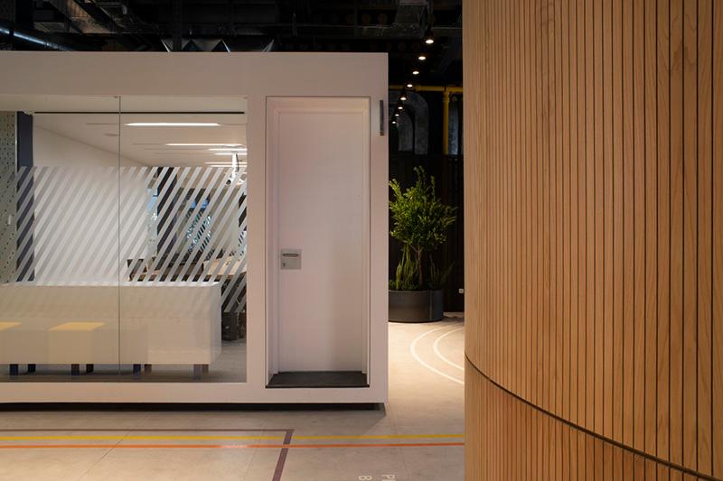 طراحی داخلی دفتر مرکزی