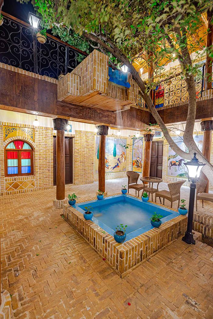 طراحی و معماری بوتیک هتل زاک