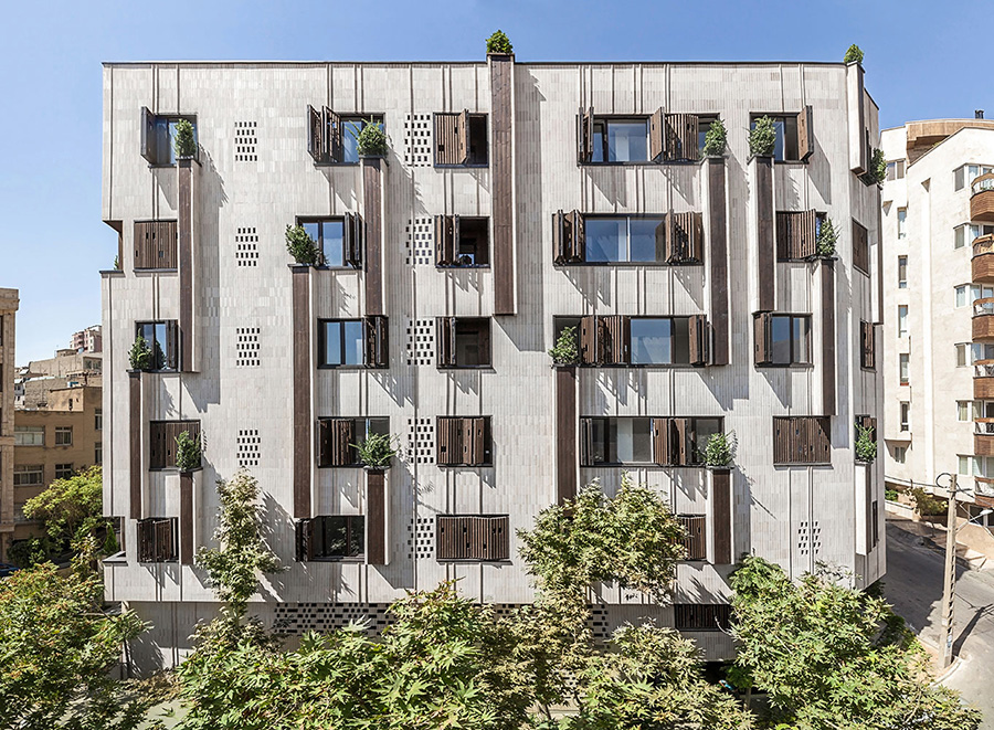 معاری خانه ای با همسایگی سبز