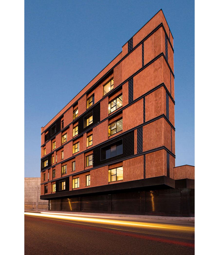 معماری ساختمان اداری سرو