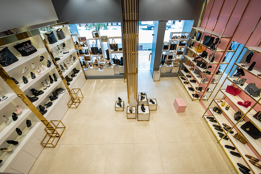 طراحی داخلی فروشگاه کفش درسا