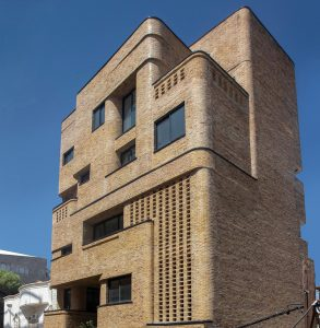 معماری ساختمان مسکونی منهای 43 مترمربع