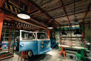 طراحی داخلی کافه گاراژ