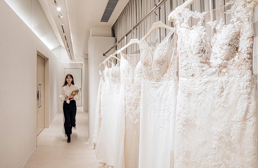 دیزاین مزون لباس عروس