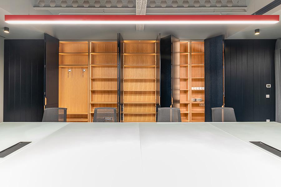 طراحی داخلی دفترکار کاریزما