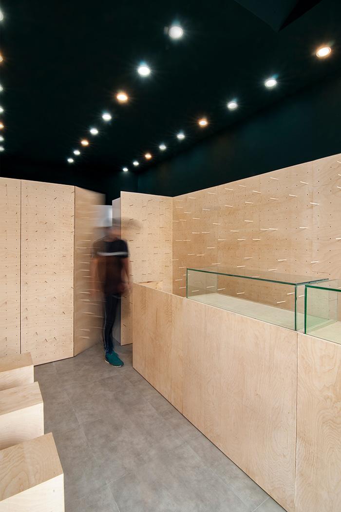 طراحی داخلی فروشگاه میکروتل