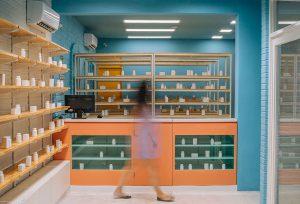 طراحی و دکوراسیون داخلی داروخانه