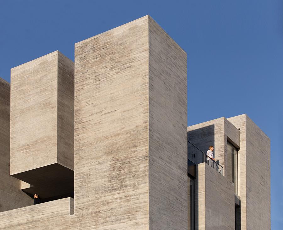 معماری خانه آینه ورزان